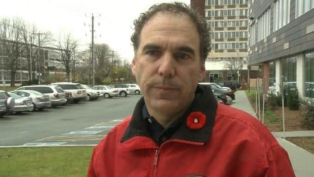 Jewish General Hospital spokesman Glenn Nashen explains why the auxiliary-run coffee shop at the hospital was closed after a norovirus outbreak made about 45 health-care workers sick.