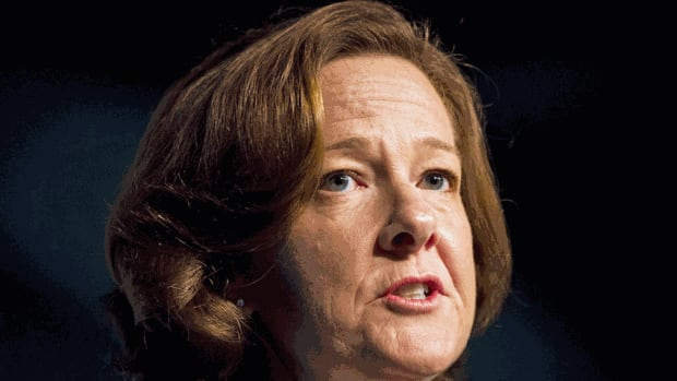 Alberta Premier Alison Redford's Conservative government earned poor grades for transparency after a new audit by Newspapers Canada.