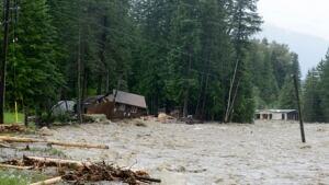 fi-bc-130621-kaslo-flooding-2