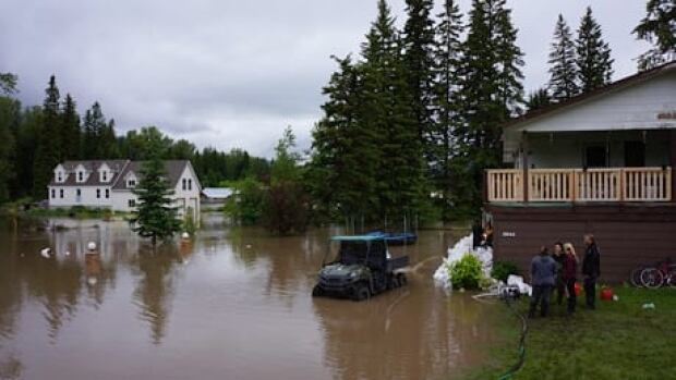 fi-bc-130621-hosmer-flooding-1