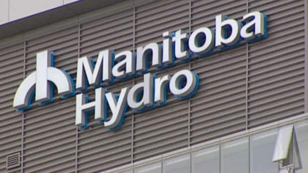 The International Brotherhood of Electrical Workers (IBEW) says Manitoba Hydro is accepting bids from private companies to replace 3,000 power poles.