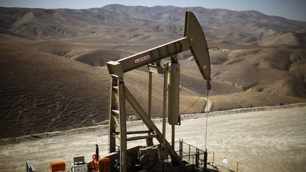 The Monterey Shale in California is one example of an area where fracking is needed in order to extract the estimated 15 billion barrels of oil that lie underground. The extraction of oil and natural gas from such shale formations is fuelling a boom in the drilling method known as fracking, which uses large amounts of pressurized water, sand and chemicals to force hydrocarbon fuels to the surface.