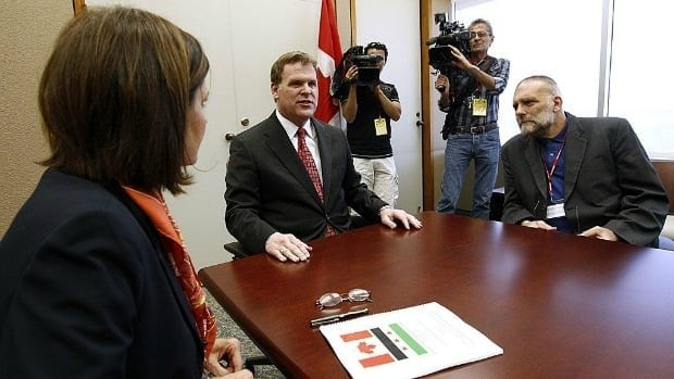 Foreign Affairs Minister John Baird meets with Syrian-Canadian representatives and members of Syria's opposition in Ottawa.