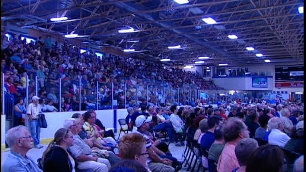 About 2,500 people arrived to the electoral boundary meeting in Yarmouth Monday.