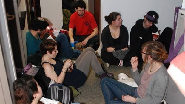 McGill students occupy deputy provost's office to protest against new referendum on QPIRG and CKUT