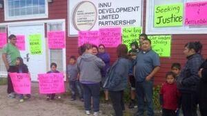 li-innu-development-protest-20120713