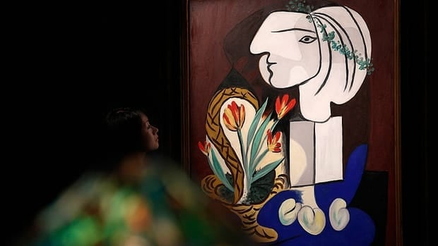 Pablo Picasso's Nature morte aux tulipes was the top lot at Sotheby's impressionist and modern art auction in New York on Thursday.