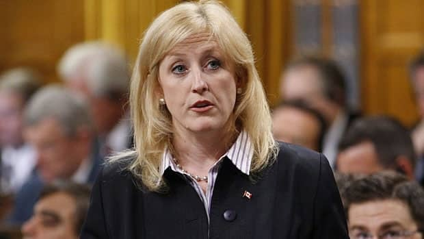 Labour Minister Lisa Raitt says she is closely monitoring the Air Canada situation, but 'the best solution is the one that the parties reach themselves.'
