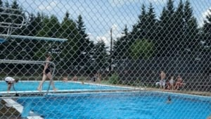 hi-nb-moncton-pool-youth-centre