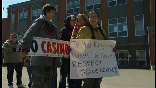 A proposed casino project in Kahnawake has divided the community.