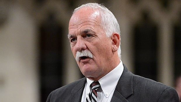 Minister of Public Safety Vic Toews plans to cut funding to an anti-gang police squad in Montreal.