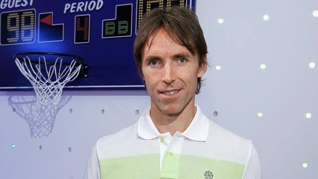 Steve Nash, seen at a Samsung product launch last week, plans to hear pitches from interested teams and hasn't ruled out returning to Phoenix.