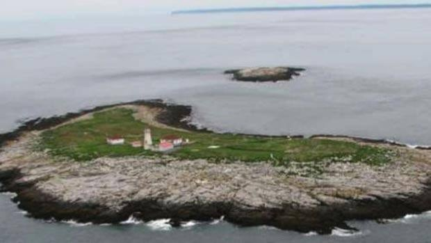 Canada and the United States claim ownership of Machias Seal Island in the Bay of Fundy.