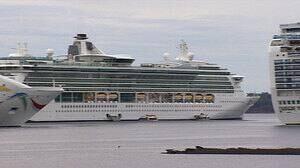 pe-hi-cruise-ships-4col