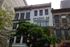 studio-300