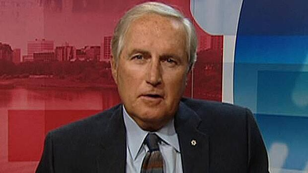 Prime Minister Stephen Harper has to meet with Canada's premiers to make the most out of provincial and territorial efforts to stretch health-care spending, former Saskatchewan premier Roy Romanow says.