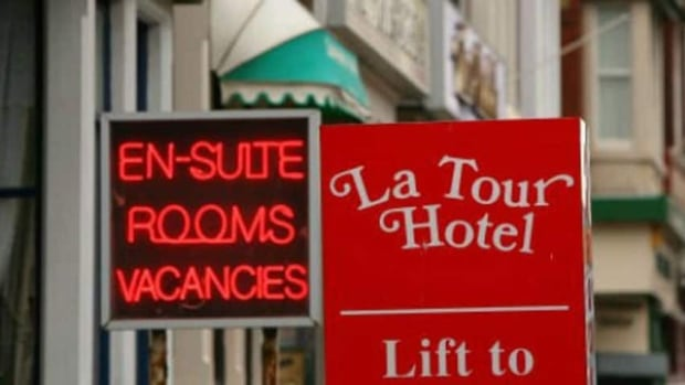 Hotel owners in Quebec are glad to see the government taking action against unregistered bed and breakfasts.