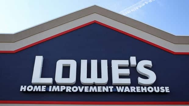 Lowe's said Monday that an acquisition of Quebec-based Rona would be a good fit with his firm's plans to increase its international scope.