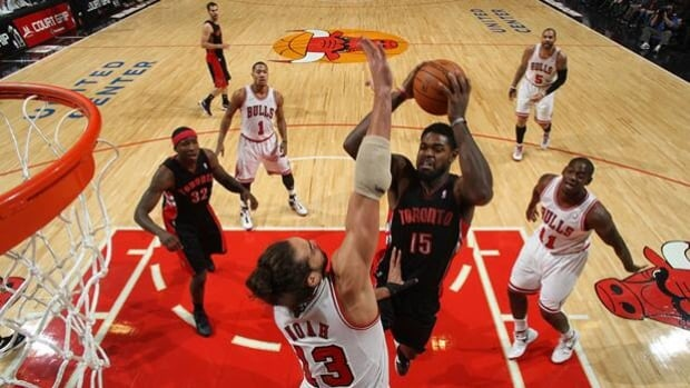 Raptors forward Amir Johnson (15) soars to the basket in a 77-64 loss at Chicago on Jan. 14.