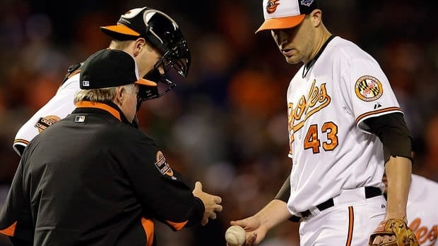 Orioles manager Buck Showalter, left, says he still has faith in closer Jim Johnson, right, even though the latter allowed a pinch-hit homer on Wednesday and gave up five runs in the ninth inning in Baltimore's 7-2 Game 1 loss to the Yankees.