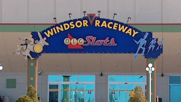 The provincial government doesn't believe pulling slots from racetracks will kill Ontario's horse-racing industry, but instead create jobs in other sectors.