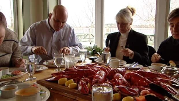 Restaurants haven't changed the price of a lobster supper even though prices from fishermen have dropped.