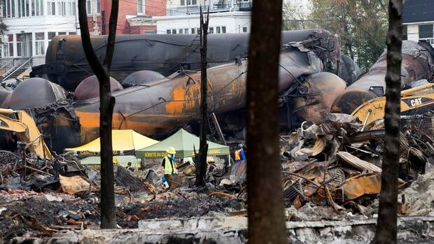 The mayor of Lac-Mégantic, Que. is demanding Montreal, Maine & Atlantic pay for the cost of the clean-up operation.