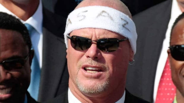 Ex-Bears quarterback Jim McMahon is among eight former NFL players named in a lawsuit claiming the league supplied them with risky narcotics and other painkillers that numbed their injuries. He said he was given medications for a broken neck and ankle so he could keep playing.