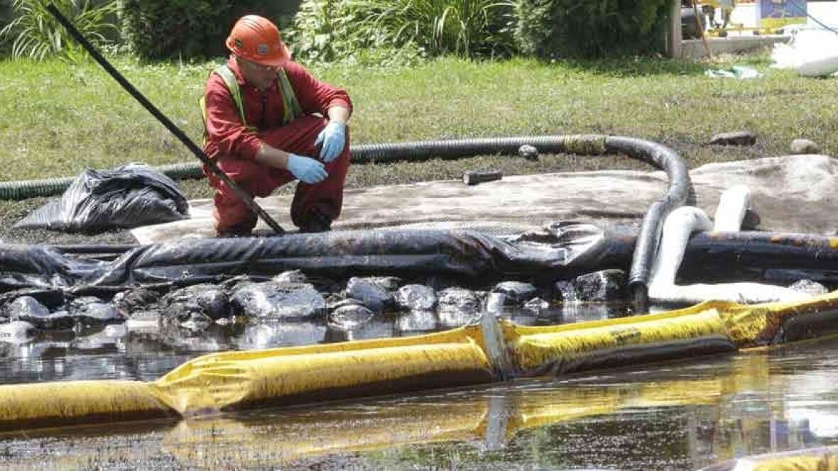 Enbridge reaches $177M US settlement for 2010 pipeline spills - Calgary - CBC News