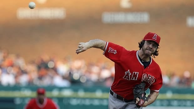 Dan Haren has opted to leave Los Angeles - and he's not heading to the Chicago Cubs. The starting pitcher has reportedly signed a deal with the Washington Nationals.