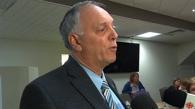 St-Rémi Mayor Michel Lavoie has been stripped of his duties in the first court ruling to apply the recently passed Bill 10.