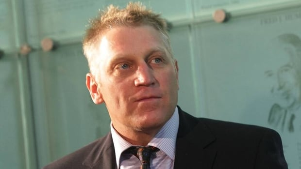 Brett Hull spent 11 seasons with the St. Louis Blues and is the franchise leader in goals.
