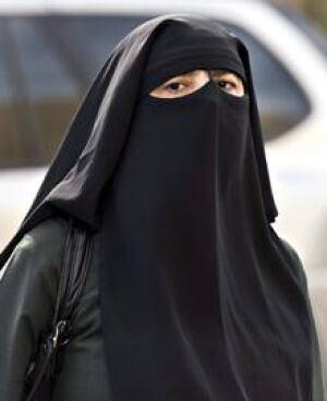 si-220-niqab-montreal-04981196