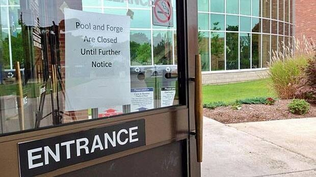 The University of Windsor and CUPE Local 1393 stopped talking shortly after midnight Sunday.