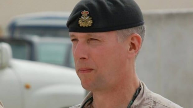 Retired lieutenant-general Andrew Leslie is joining Justin Trudeau's Liberal team as a top foreign affairs adviser.