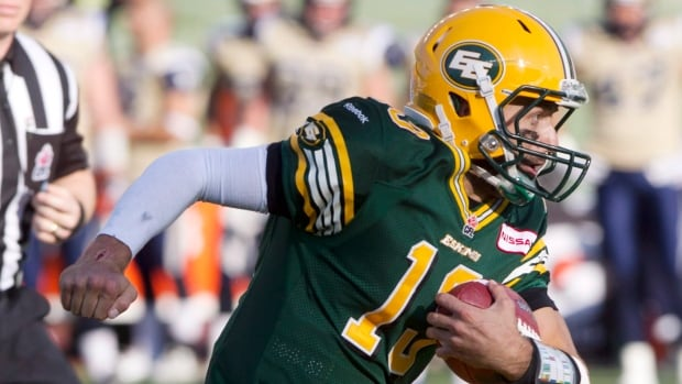 Edmonton Eskimos quarterback Mike Reilly was named the CFL's top offensive player after throwing for 196 yards and three touchdowns on Saturday against the Winnipeg Blue Bombers.