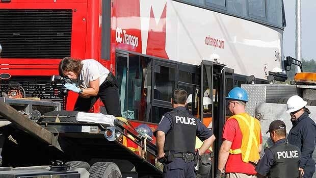 Ottawa bus-train crash investigation