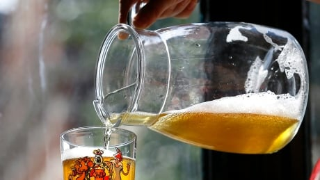 Man brewed beer in his gut, say researchers