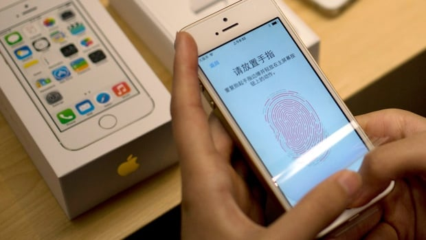 A hacker who calls himself Starbug fooled Apple's Touch ID fingerprint sensor by laser printing out a photograph of a fingerprint and using it as a mould to create a fake finger.