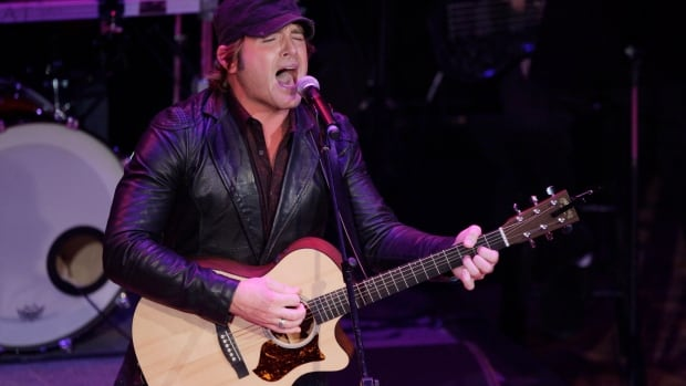Jerrod Niemann won't be performing at the Bull and Barrel in Windsor.