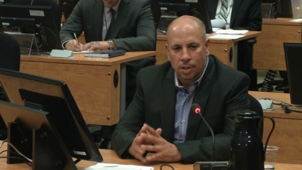 Ken Pereira, a former employee of the FTQ's construction wing, testifies for a third day before the Charbonneau commission.