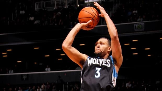 Brandon Roy of the Minnesota Timberwolves shoots a three-pointer against the Brooklyn Nets on November 5, 2012 at the Barclays Center in Brooklyn, New York.