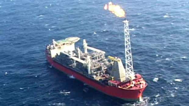 The SeaRose floating platform has returned to the White Rose oil field, but has not yet resumed production following maintenance work overseas.