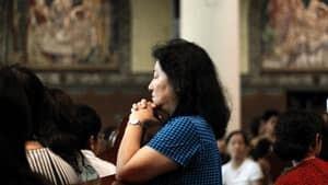 si-woman-church-rtr30elv