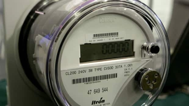 Quebec's energy board has approved the use of smart meters like this one, despite opponents' concerns about potential health risks posed by radiofrequencies.