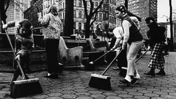 Children sweep a park in New York City on Earth Day 1970. The first Earth Day saw about 20 million people in cities across the U.S. participate in everything from neighbourhood clean-ups to large protest rallies.