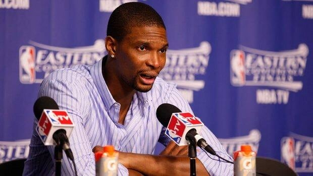 Miami Heat forward Chris Bosh and his wife told a 911 operator that the condition of the masseuse was quickly declining in a recording released by Miami police on Tuesday.