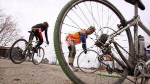li-ottawa-cyclist-cp4669359