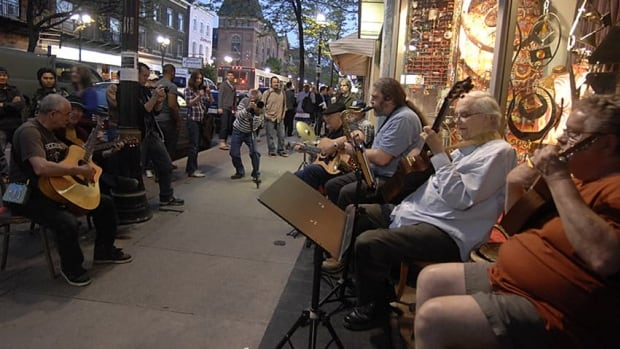 James Street North was alive with the sights and sounds of Hamilton at the May Art Crawl. The city is exploring a new, integrated arts funding model to help organizations navigate the current fragmented system.