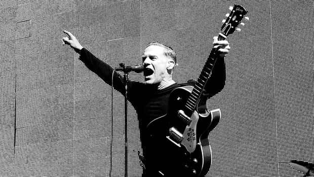 Bryan Adams is set to embark on his first arena-rock tour in 20 years.